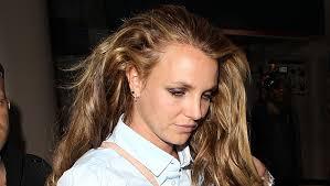 Britney Spears hat einen Haaransatz wie Naomi Campbell - Britney_Spears_hat_einen_Haaransatz_wie_Naomi_Campbell-Hungerkur_schuld-Story-356469_630x356px_1_5KskMsj8ySERE