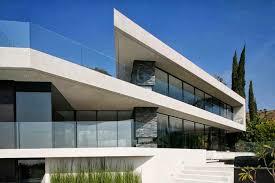 Illuminazione Ingresso Villa : Openhouse una villa moderna e minimalista tra le colline di