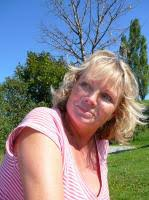 Iris Lehmann Max-Reger-Str. 28 85591 Vaterstetten Telefon 08106/9963245. Email: irislehmann1309@googlemail.com - iris