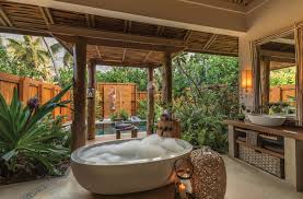 bath ideas:  astonishing tropical bath ideas that you must see today ato see more luxury bathroom
