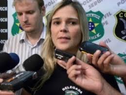 09/03/2010 12:24 Fernando da Silva Nascimento, 29 anos, e Rosângela Menezes Santos Rozendo, 28 vendiam os entorpecentes na 'Invasão dos Mangues' Casal é ... - mayra