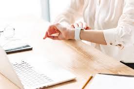 Jak wprowadzić równoważny system czasu pracy w firmie?