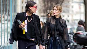 24 <b>Creative</b> Date Ideas For Winter 2020 | StyleCaster