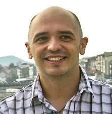 Javier Cruz. Nace en Oviedo en 1971. Vive y trabaja en Gijón. - leadImage_preview