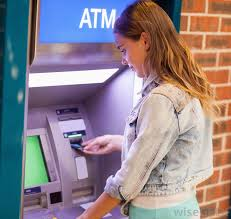 what is a bank cashier     pictures a bank    s cashier  or teller  is usually the first person a patron sees upon entry to the bank