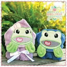 1717 Frog Boy & Girl Hooded Towel Set Applique Design - Applique ...