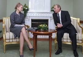Не дай нам Бог Януковича у спідниці. Друзі, будьте розумними.