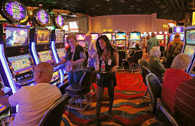 vegas girls night out guide to tipping vegas girls night out photo credit c o0bg com rf image 1920w
