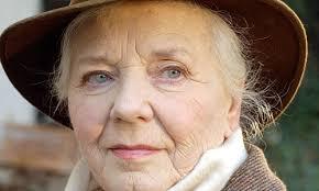 Drücken Sie x zum Schließen. Drucken Versenden Vorlesen AAA Schriftgröße Kommentieren. Die bayerische Schauspielerin Ruth Drexel ist tot. - drexel220090304110947