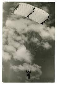 17 best ideas about skydiving london old london an agreeable sensation original 60s vintage photo testing air mattress ram air parachute