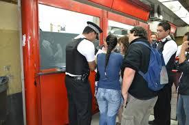 Resultado de imagen para muy bien la policía que pide dni