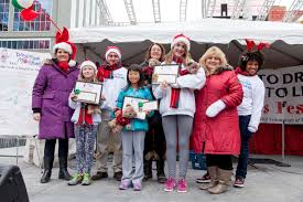 drug marshals toronto th annual say no to drugs say yes winners of the annual drug marshals essay contest on stage in downtown toronto at the 27th annual drug marshals christmas festival