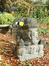 <b>Ganesha</b> drinking milk miracle - Wikipedia
