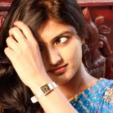 మీది ఉంగరాల జుట్టా అయితే ఇలా హెయిర్ స్టైల్ చేసుకోండి | Webdunia Telugu - img1130112045_1_1