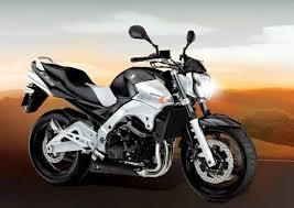 <b>Suzuki GSR 600</b>