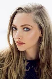 love this makeup plum makeup and natural lips