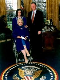 photos above show that there has been little change to the oval office during the obama bush and clinton administration bill clinton oval office rug