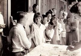 photo essay everyday life in th century honolulu   honolulu  shot in the arm in  the department of health started vaccinating honolulu school children against diphtheria at the time the bacterial disease was a