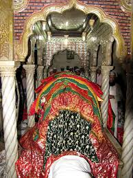 Image result for इमेज ऑफ़ हाजी अली दरगाह