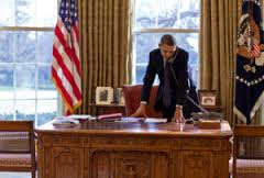 oval office desk 0519 1010 0717 4435 president barack obama standing at his desk and talking barack obama oval office