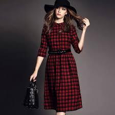<b>Платья в клетку</b> 2019: модные фасоны, с чем носить, фото