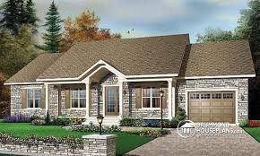 House plan W detail from DrummondHousePlans comfront   BASE MODEL bedroom ranch house   built ins  covered porch and garage