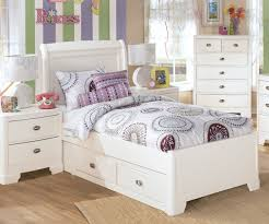 excellent small kids bedroom design with white polished cherry wood twin size beds which has storage bedroom white bed set kids beds