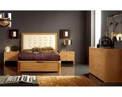 Modern Bedroom Set Furniture Bedroom Set In Maple Finish Made In Spain 33b21
