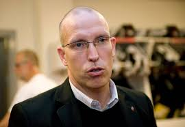 """Enligt uppgifter till Sportbladet kommer tränaren """"Challe"""" Berglund att få sparken – och i dag blev det klart att sportchefen Fredrik Andersson får gå. - fredrikandersson"""