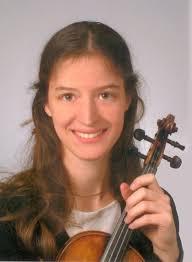 Die Violinistin <b>Julia Galic</b> gibt zusammen mit den Musikern der Bad <b>...</b> - Julia_Galic