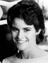 Ally Sheedy is an American actress. She was born in 1962 at New York. - Ally_Sheedy