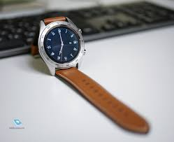 Mobile-review.com 10 особенностей <b>Honor Watch</b> Magic и Band 4 ...