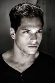 Enlarge - Roman_Reyes-royaled_actor