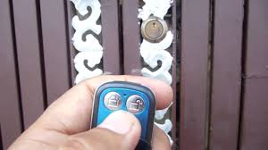 <b>Electronic Lock</b> with Remote Working on <b>Gate</b> live working video ...