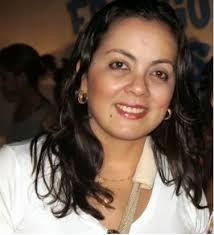 A filha do prefeito de Aracaju João Alves Filho, Ana Alves Mendonça, utilizou suas redes sociais (Twitter e Facebook) para desmentir uma informação que ... - ANA-ALVES