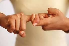 تأثير حركات اليد الآخرين