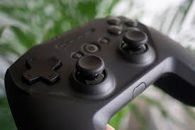 <b>SteelSeries Stratus Duo</b> review: A comfy Fortnite-ready controller for ...