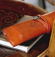 Porta canetas e caderno