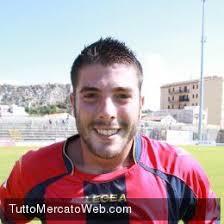 Il Sorrento si rinforza col terzino destro Raffaele Imparato (27, nella foto), atleta che arriva dal Vicenza a titolo temporaneo. - 7e17bf4fcc1aa40f3bc116c1ffbcc9a6-1378144165