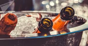 Инструкция по применению <b>шампанского</b>: как пить и чем ...