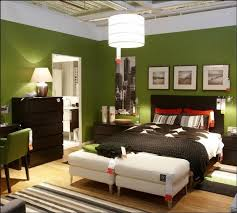 green wall paint for bedroom