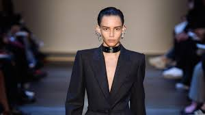 <b>Alexander McQueen</b> Fall 2019 Ready-to-Wear Collection - Vogue