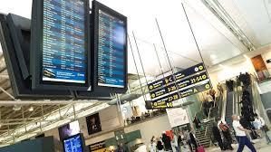 Tusentals resenärer berörs under lördagens flygstrejk | SVT Nyheter