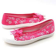 أنواع الأحذية images?q=tbn:ANd9GcR