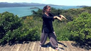 <b>Tai Chi</b> 5 Minutes a Day Module 01 - easy for beginners - YouTube