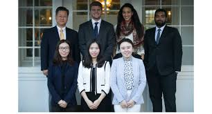 business school students publish journal of pioneering research zarb student editors and dr boonghee yoo faculty advisor hofstra s journal of international