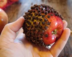 Resultado de imagem para encantamento de amor com maçã