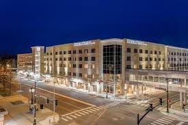 <b>DoubleTree</b> by Hilton Evansville <b>Pet</b> Policy