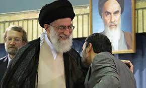 Afbeeldingsresultaat voor احمدی نژاد در کنار خامنه ای