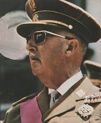 francisco-franco El Régimen que instauró don Francisco Franco Bahamonde fue un sistema de partido único, con una evidente inclinación totalitaria. - francisco-franco